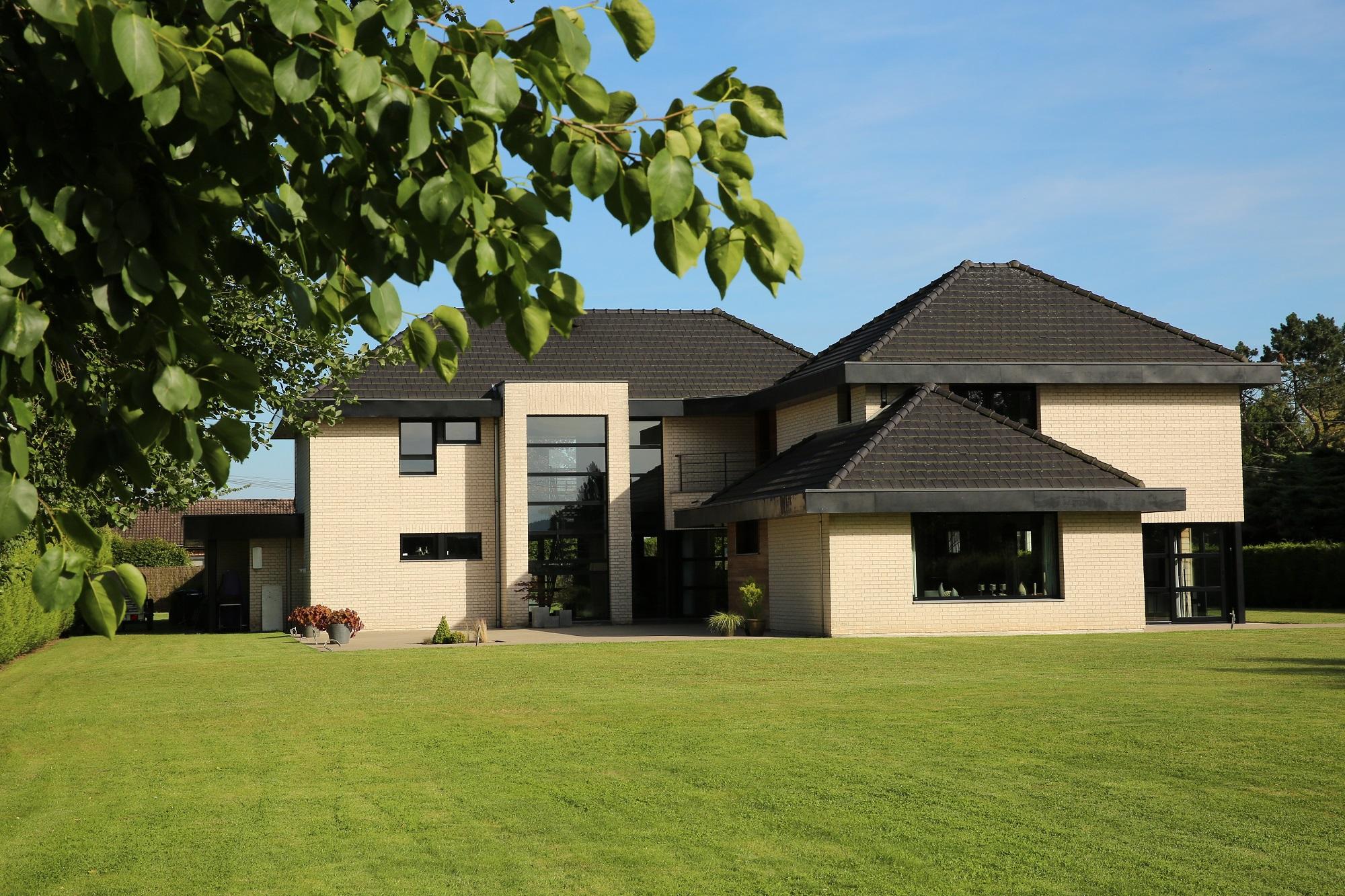 Villa contemporaine coeur pevele for Villa contemporaine
